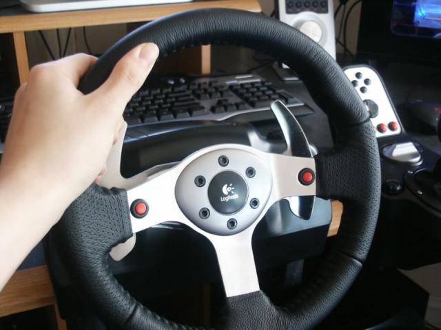 Todo lo que necesitas saber antes de comprar un volante para PC o consolas-http://img98.xooimage.com/files/4/8/4/79-427e9f5.jpg